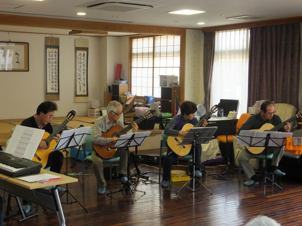 H26.3.16川間ギタークラブ来園 (1)